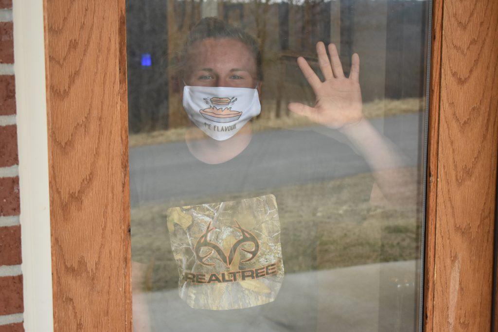 hello, wave, front door, quarantine